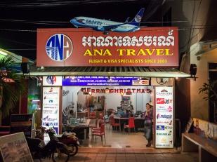 Cestovní agentura, kde je možné koupit lístky na cokoliv. Zajímalo by mě, jestli v českém Travel Servisu někdy slyšeli o nějaké Ana Travel...